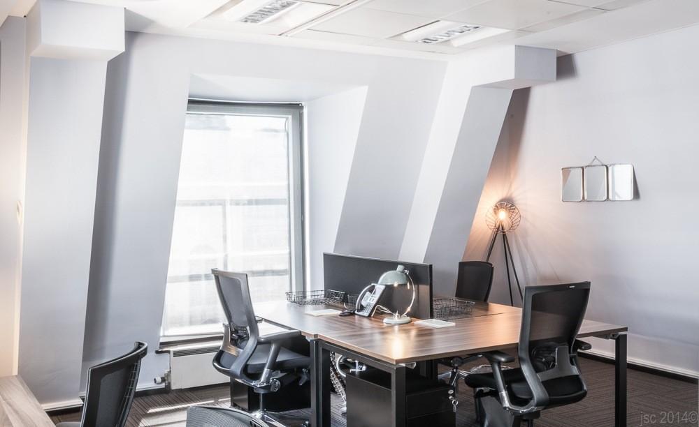 Birchin Court office redesigned work desk